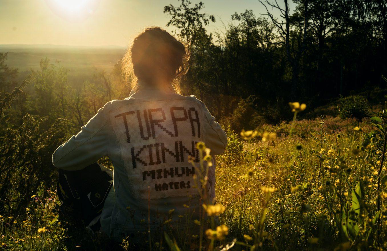 Turpa-Kiinni-Minun-Haters-BILDKRED-Josef-Persson-c-Ljudbang-1356x880